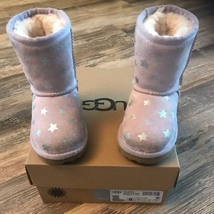EUC Classic Short Stars Pink Uggs Toddler Size 6